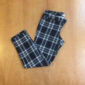 Old Navy Pants - Plaid Old Navy Pixie Pants